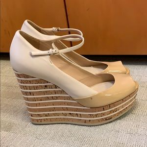 Gucci patent leather striped cork platform wedges